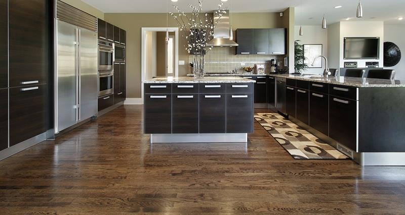 25 Kitchens With Hardwood Floors-4