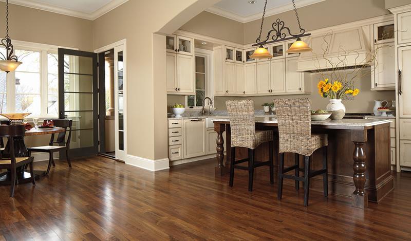 25 Kitchens With Hardwood Floors-5