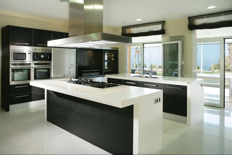 25 of the Hottest Kitchen Noir Designs-14