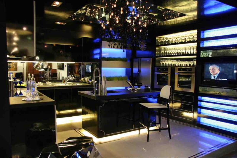 25 of the Hottest Kitchen Noir Designs-5