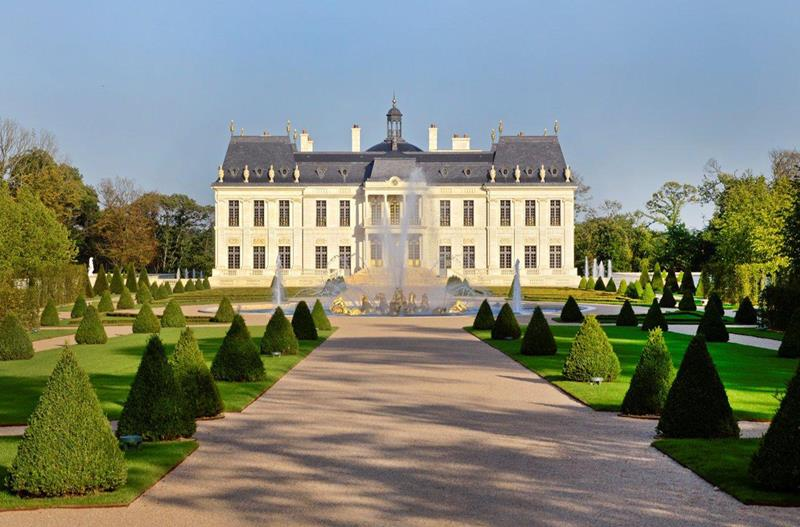 12 Photos of the Stunning 300 Million Chateau Louis XIV-title