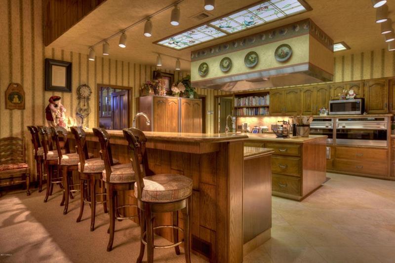 23 Brown Kitchen Designs-22