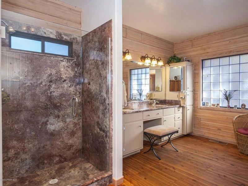 23 Marble Master Bathroom Designs-17