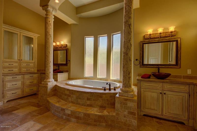 24 Brown Master Bathroom Designs-1