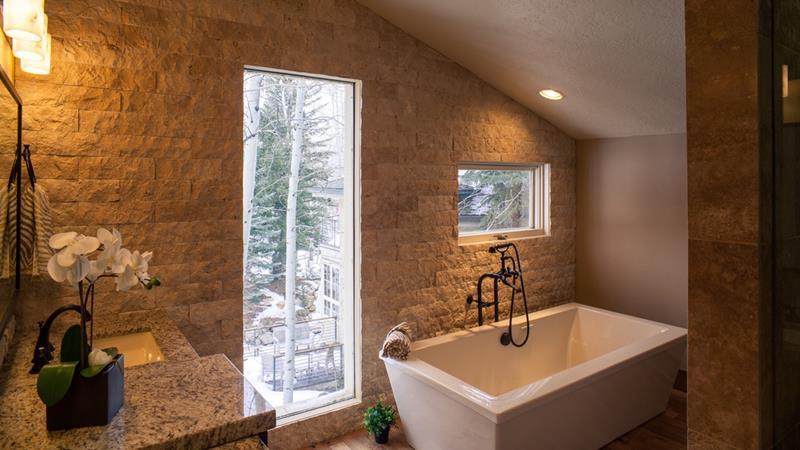 24 Brown Master Bathroom Designs-20