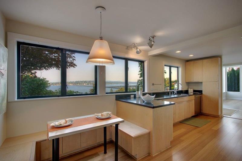 24 Kitchens with Breakfast Nooks-23