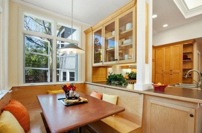 24 Kitchens with Breakfast Nooks-7