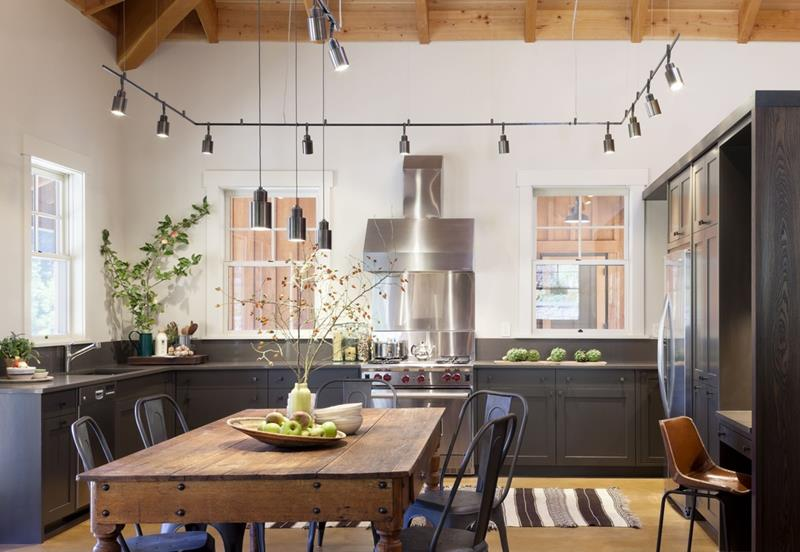 24 Kitchens with Jaw Dropping Cathedral Ceilings-14