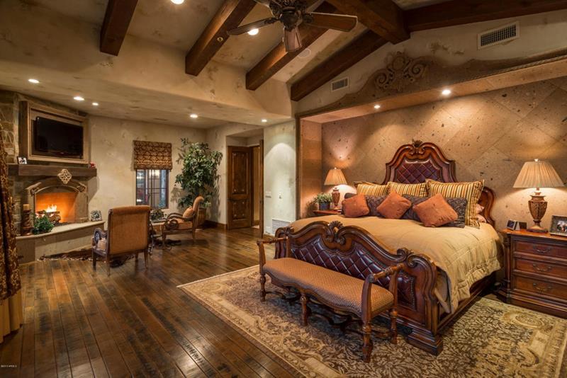 25 Brown Master Bedroom Designs-7