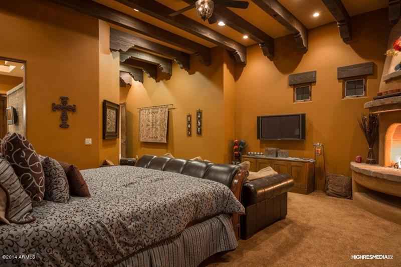 25 Brown Master Bedroom Designs-9