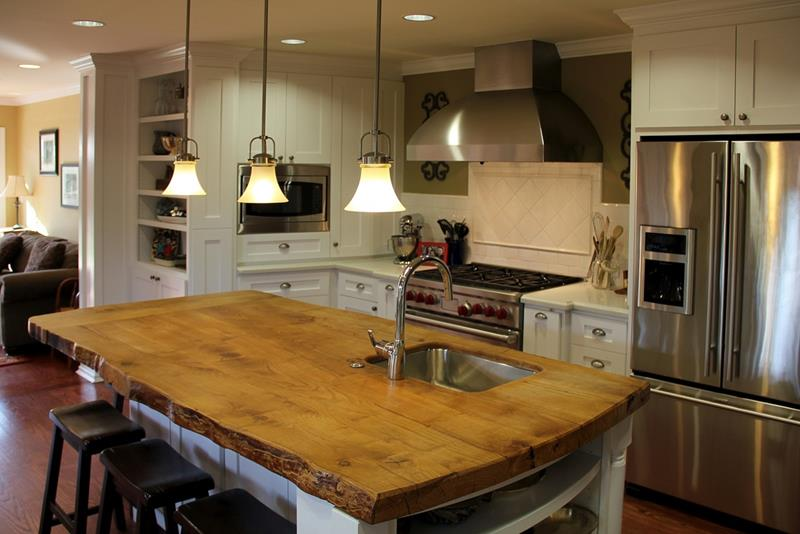 25 Kitchens with Stunning Wood Counters-19
