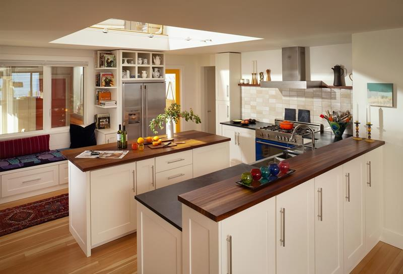 25 Kitchens with Stunning Wood Counters-22