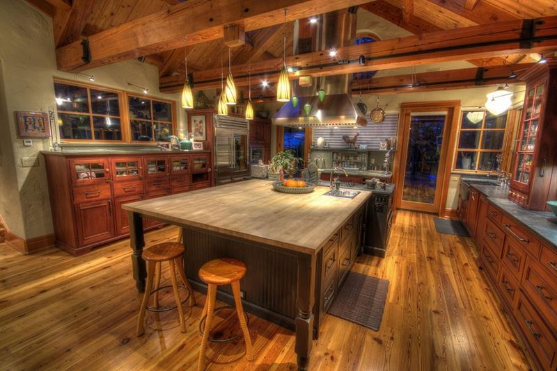 25 Kitchens with Stunning Wood Counters-6