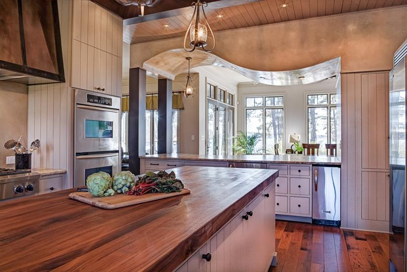 25 Kitchens with Stunning Wood Counters-title