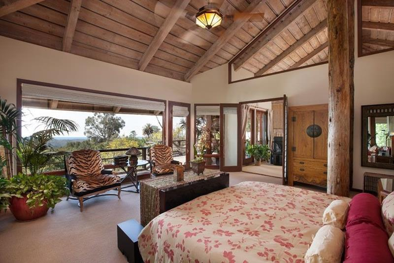 25 Master Bedrooms with a View-6
