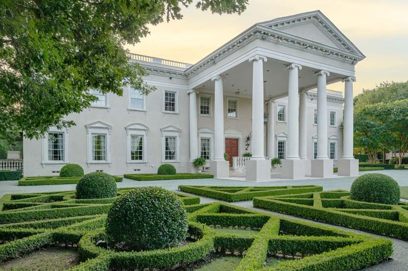 image named 23 Pictures of the White House in Texas title