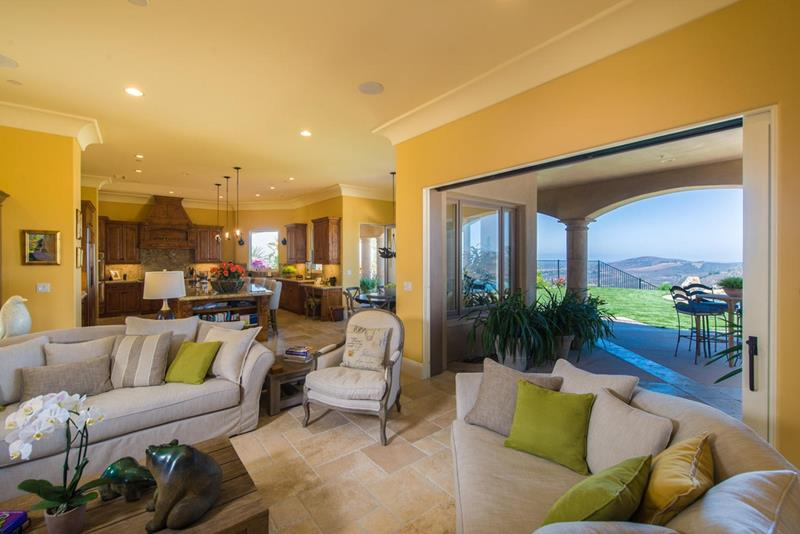 24 Design Ideas for Living Room Walls-2