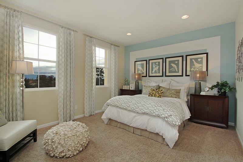 25 Beautiful Bedrooms with Accent Walls-16
