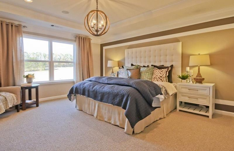 25 Beautiful Bedrooms with Accent Walls-19