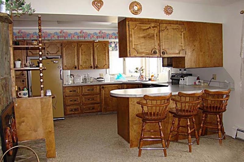 BEFORE AND AFTER 12 Kitchen Remodeling Projects-1