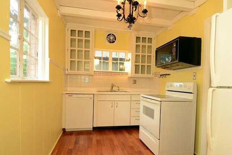 BEFORE AND AFTER 12 Kitchen Remodeling Projects-4