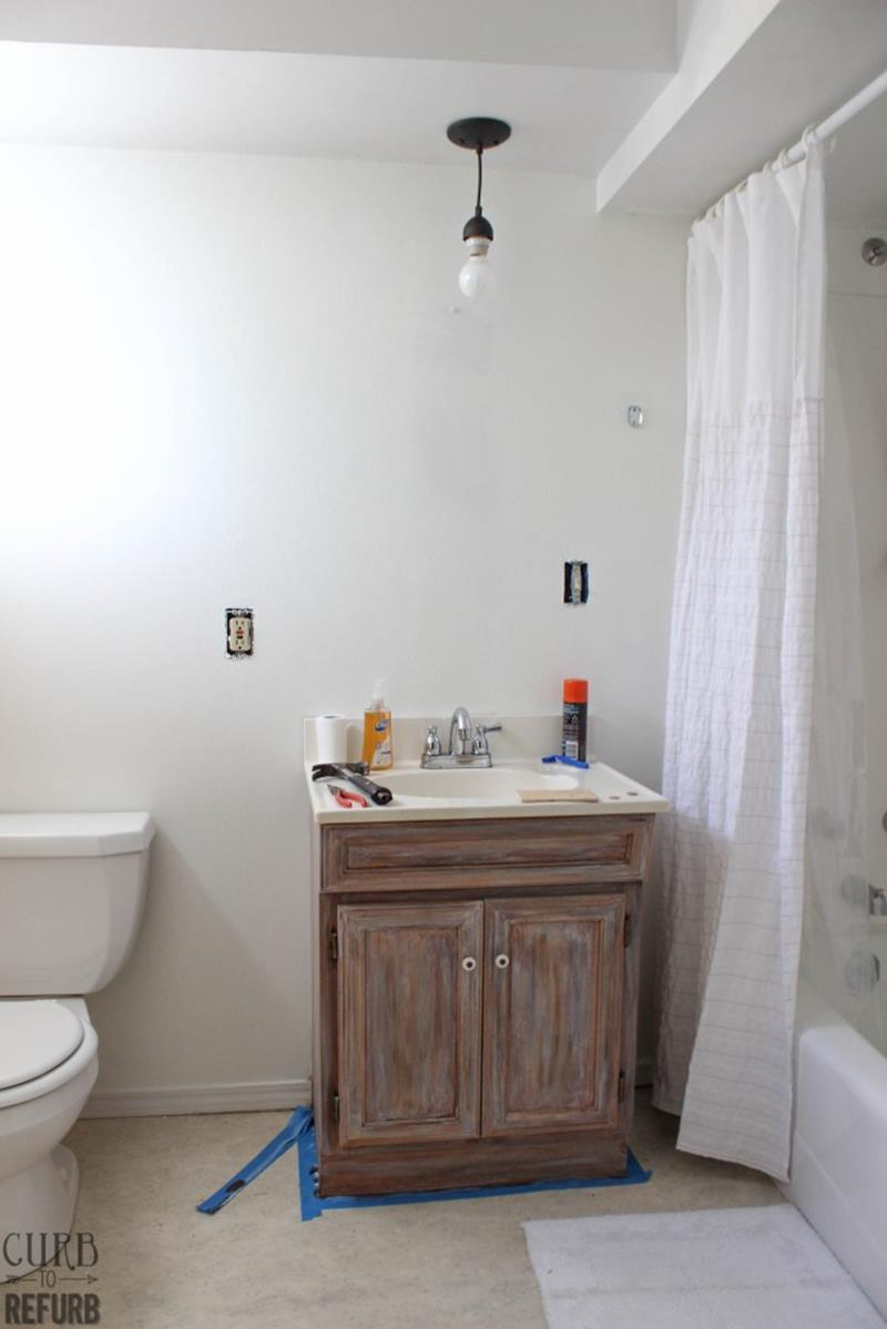 Check Out This Amazing Tiny Bathroom Makeover-5