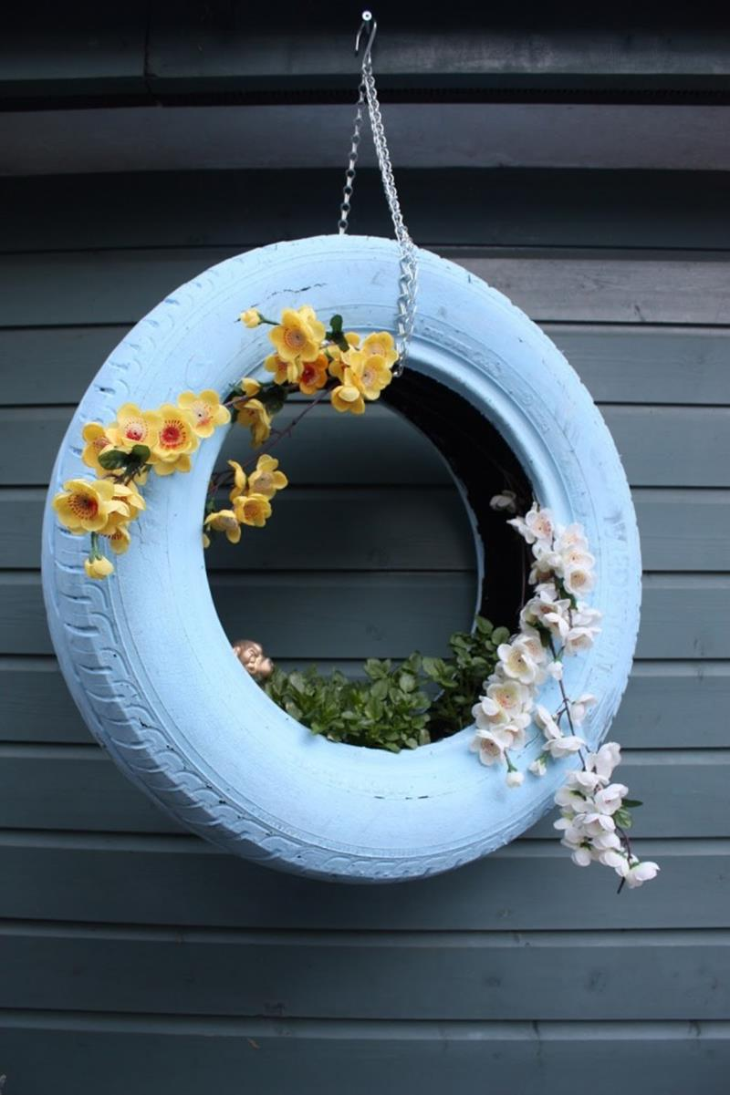 19 Inspirational Ideas for Recycled Hanging Baskets-11