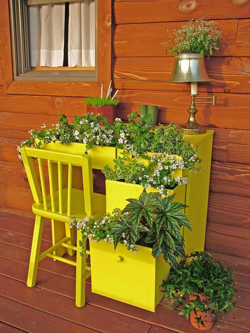 19 Inspirational Ideas for Recycled Hanging Baskets-12