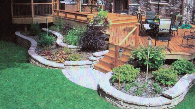 19 Backyards with Amazing Landscaping-12