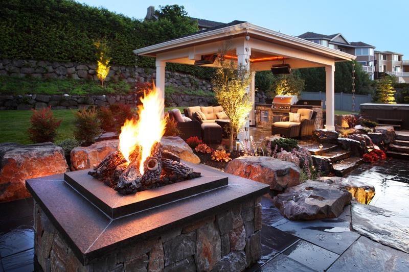 20 Stunning Backyard Fire Pits-12
