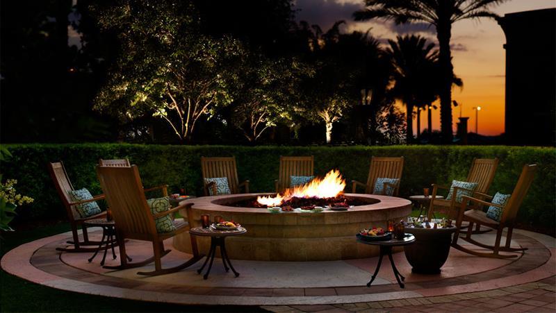 20 Stunning Backyard Fire Pits-8