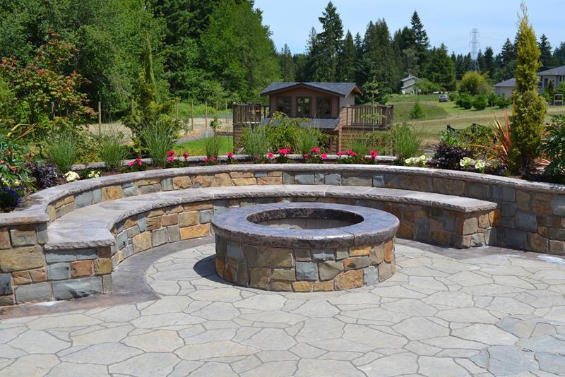 23 Backyard Fire Pit Designs-1