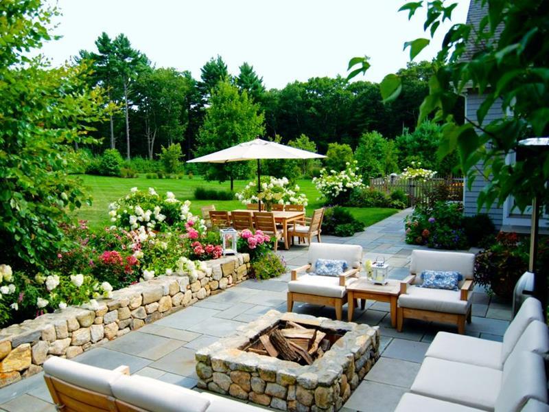 23 Backyard Fire Pit Designs-13
