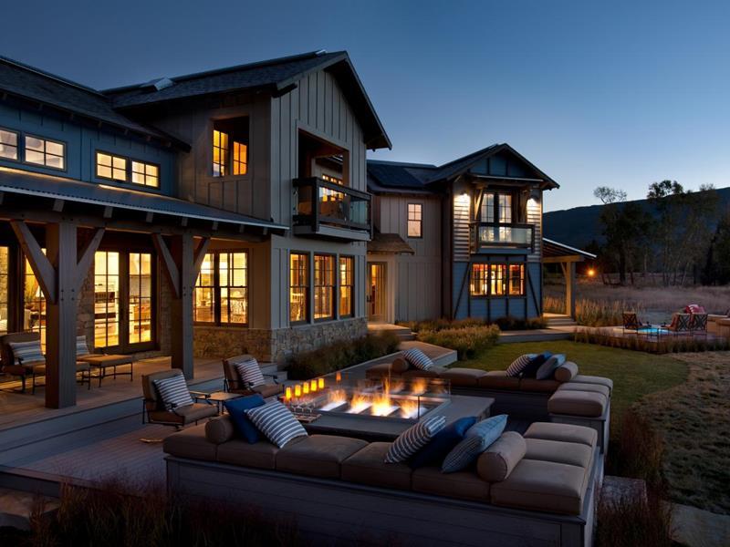 23 Backyard Fire Pit Designs-9