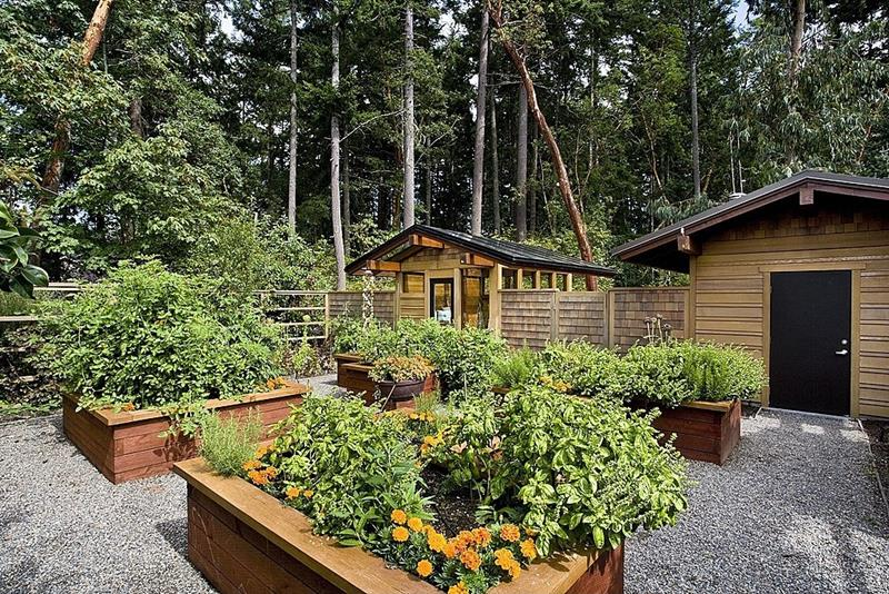 image named 24 Amazing Ideas for Wooden Raised Garden Beds title