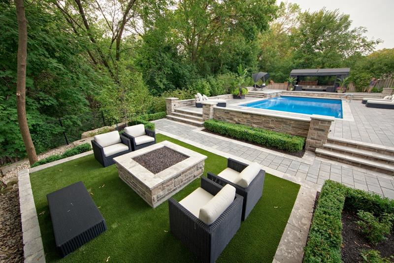 24 Backyard Fire Pits Perfect for Summer-15