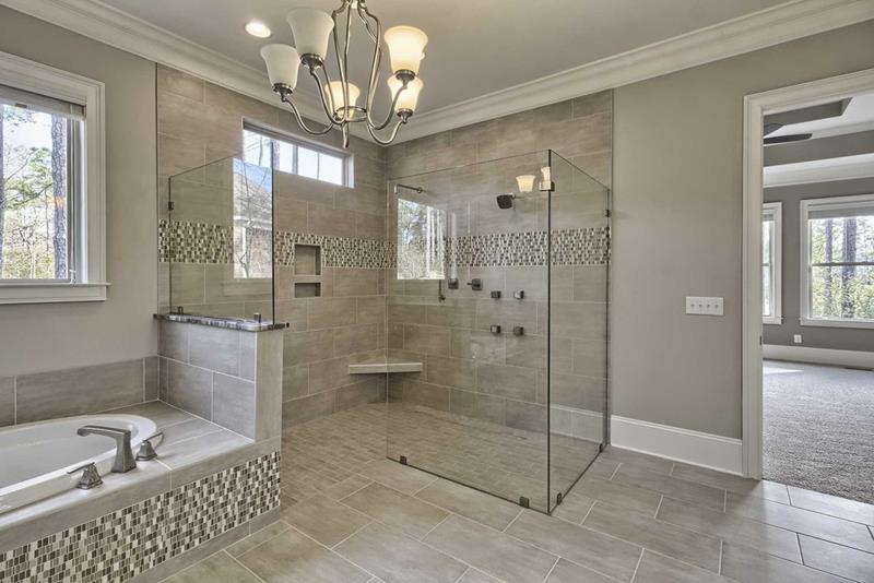 24 Beautiful Ideas for Master Bathroom Windows-11