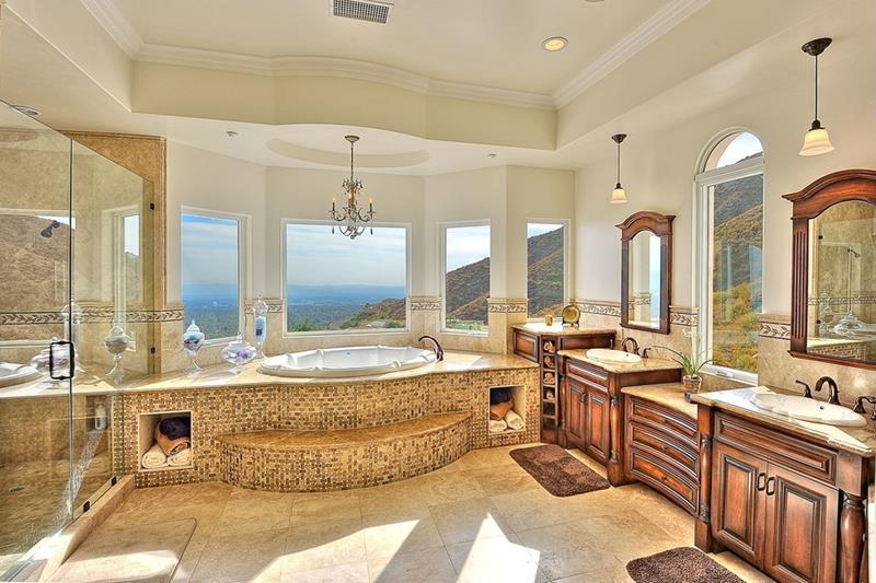 24 Beautiful Ideas for Master Bathroom Windows-22