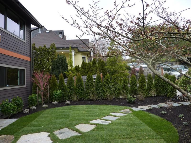 25 Beautiful Ideas for Garden Paths-14