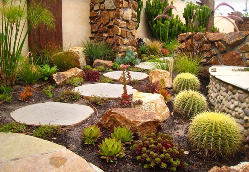 25 Beautiful Ideas for Garden Paths-15