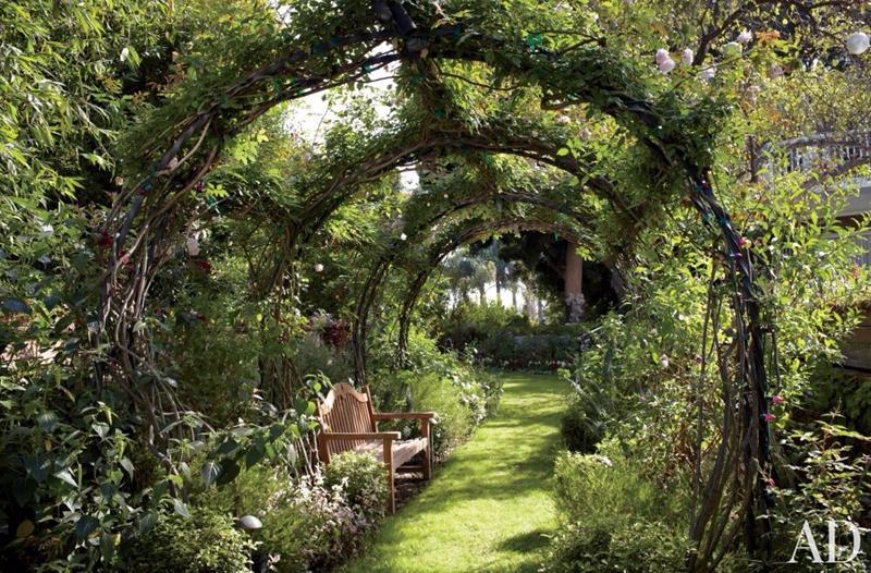 25 Beautiful Ideas for Garden Paths-7
