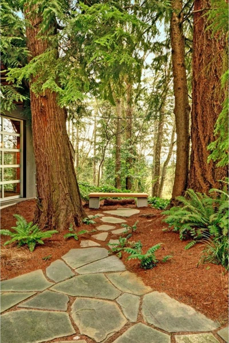 25 Beautiful Ideas for Garden Paths-9