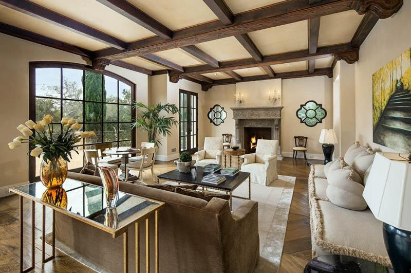 25 Professionally Designed Living Rooms-20