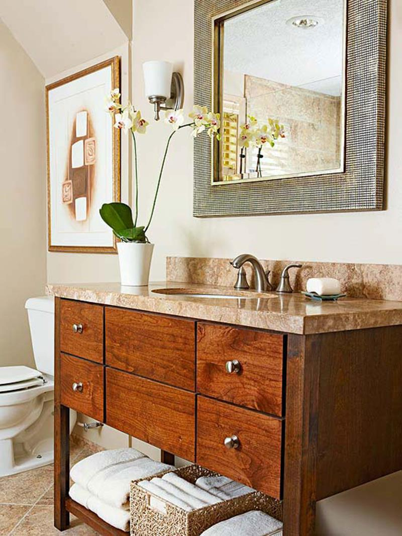 10 Amazing Before and Afters of Bathroom Remodels-1a