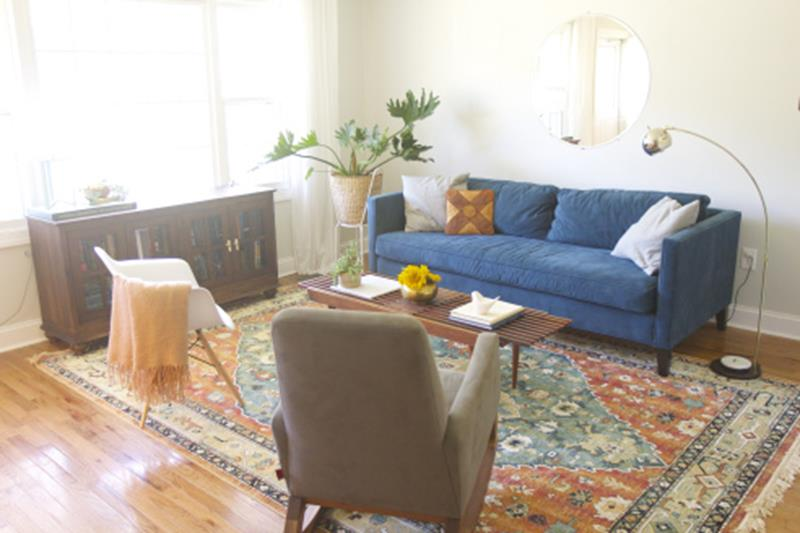 10 Before and After Living Room Remodels-2a