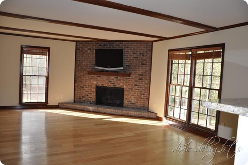 10 Before and After Living Room Remodels-5