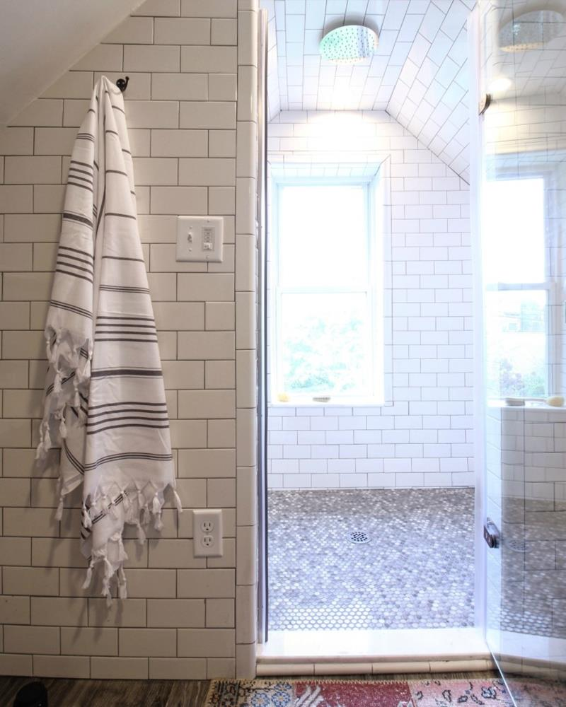14 Pictures of a Stunning Bathroom Makeover-8