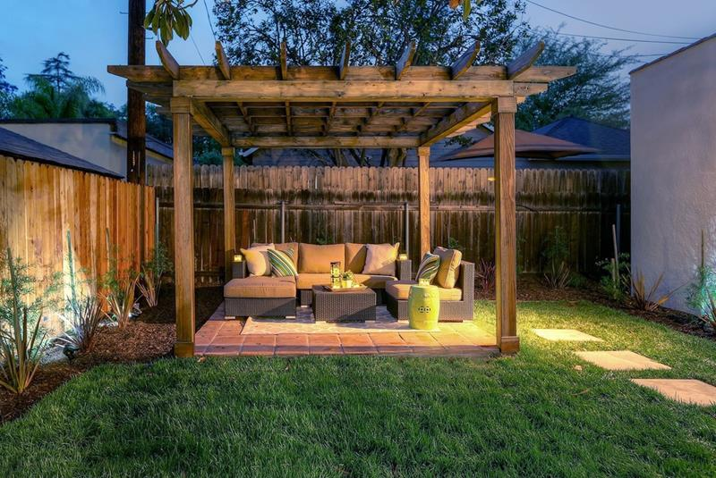 20 Gorgeous Backyard Patio Designs and Ideas-2