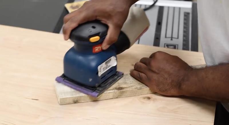 How to Make DIY Wood Pallet Backsplash-2