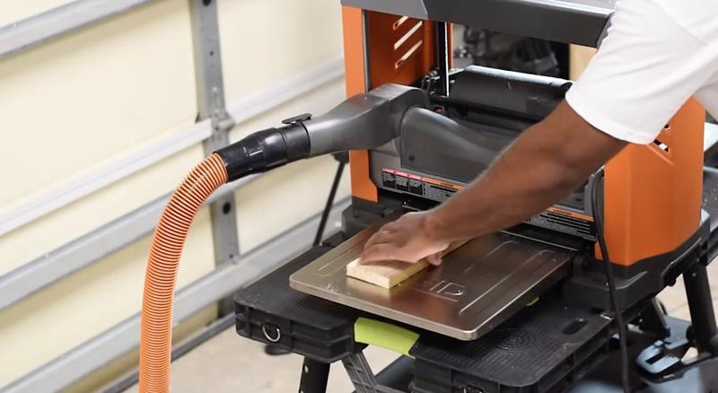 How to Make DIY Wood Pallet Backsplash-5